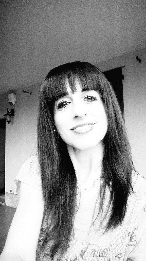 Manuela writer